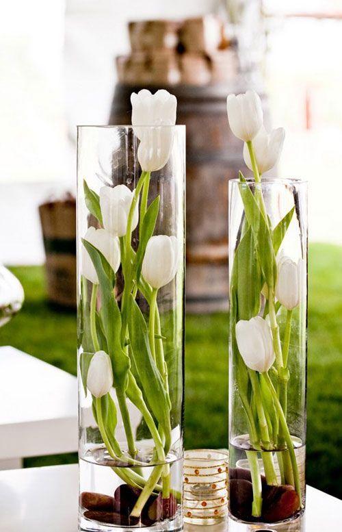 cvetni aranžman od lala u vazni beograd cvecara elite