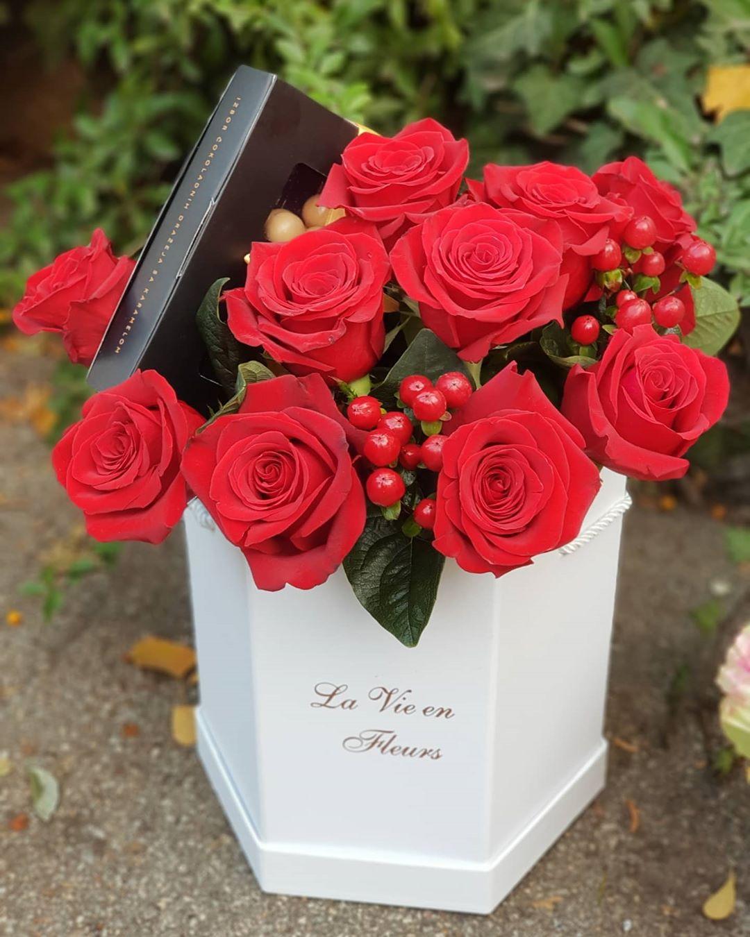 poklon za devojku dan zaljubljenih